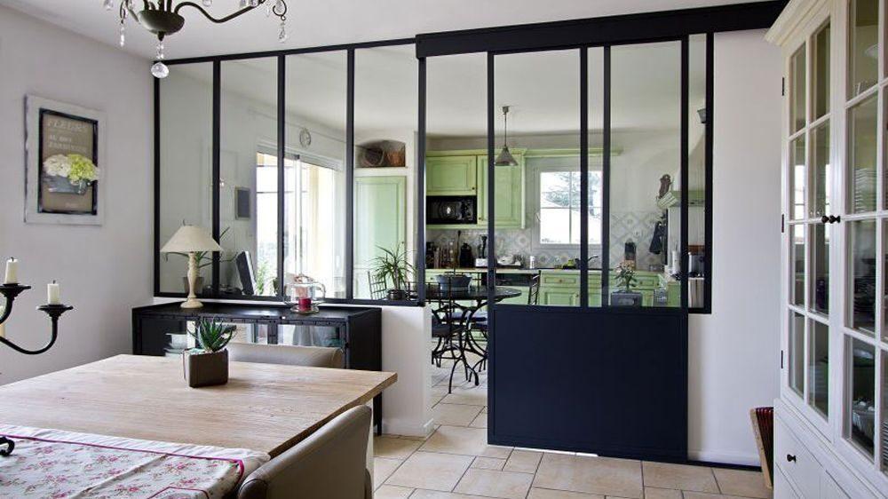 08313224-photo-verriere-cuisine-noire-style-classique-laforgedescollines-2