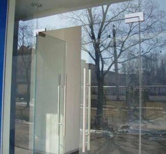 vxodnye-steklyannye-dveri1