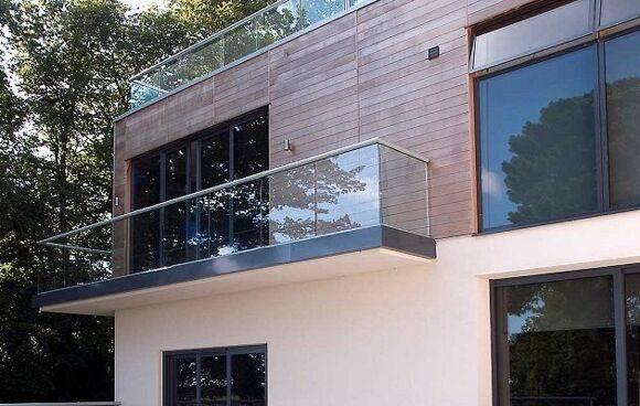 glass-balustrade-balcony-4-idsystems