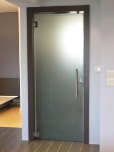 Стеклянные двери для душа, ванной и туалета