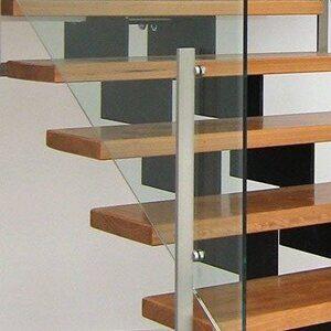 Frameless-Glass-Stair-Balustrade-in-Bulimba-private-residence
