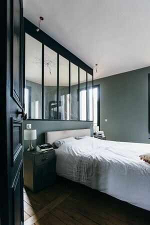 conception-populaire-de-carreaux-de-salle-de-bains-et-des-couleurs-pour-renovation-salle-de-bain-avec-chemise-carreaux-bleu-homme
