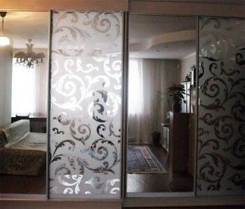 Двери зеркальные раздвижные9